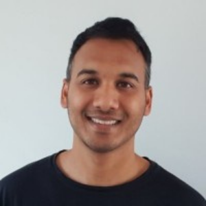 Austrailian investor who runs a blog to learn Cryptocollectible trading.